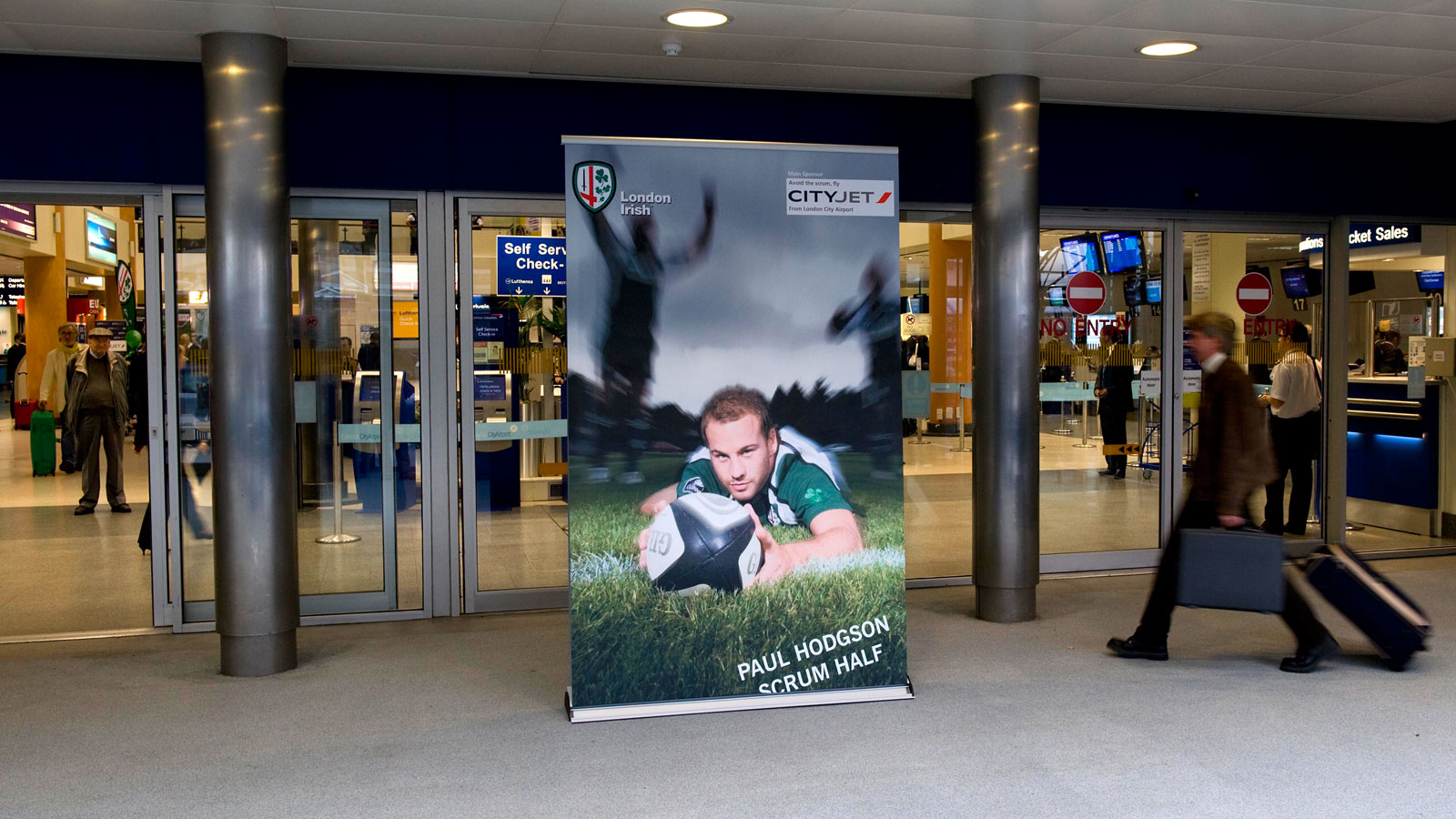 custom large retractable banners